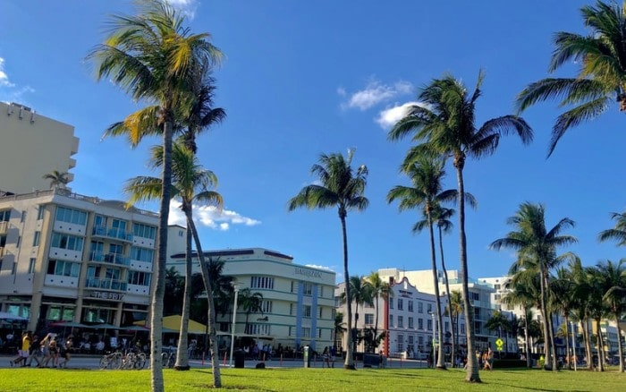 Moving to Florida for a Job – Is It a Good Idea?