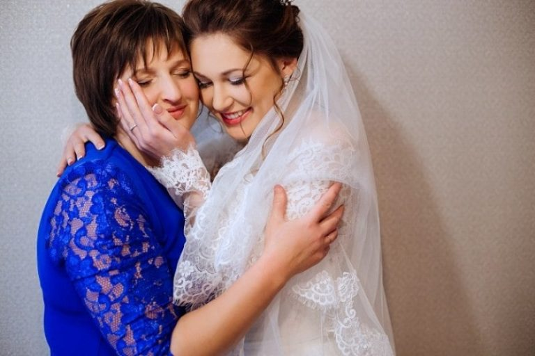 Tips to Find the Perfect Plus Size Suits for Mother of the Bride