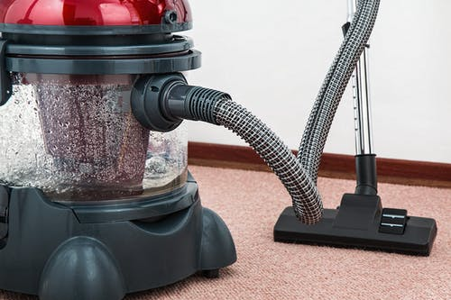 Vacuum clean to refreshing the process of the Carpet