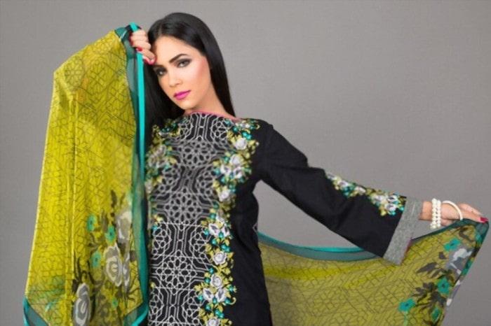 Why Buying Designer Salwar Kameez Online Is the Best Option?