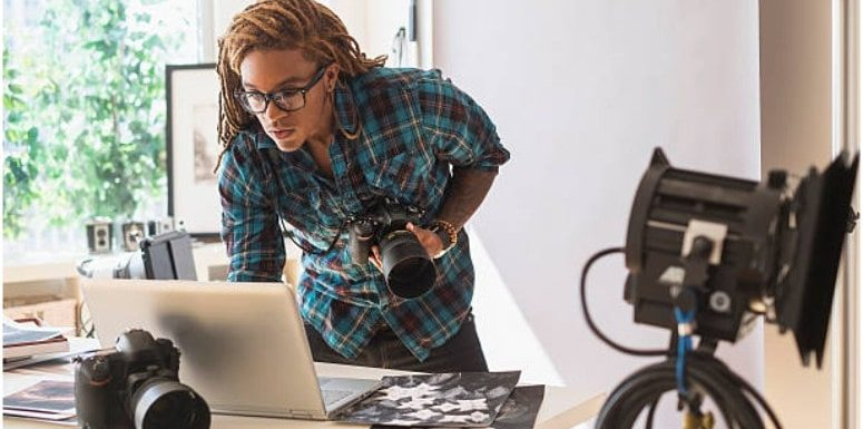 5 Main Differences Between Editorial Photography and Commercial Photography